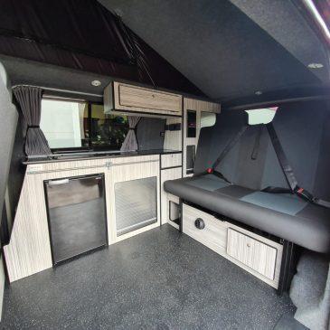 4088-vw_t6_volkswagen_transporter_camper-van_swb_ravenna_blue_stock_804